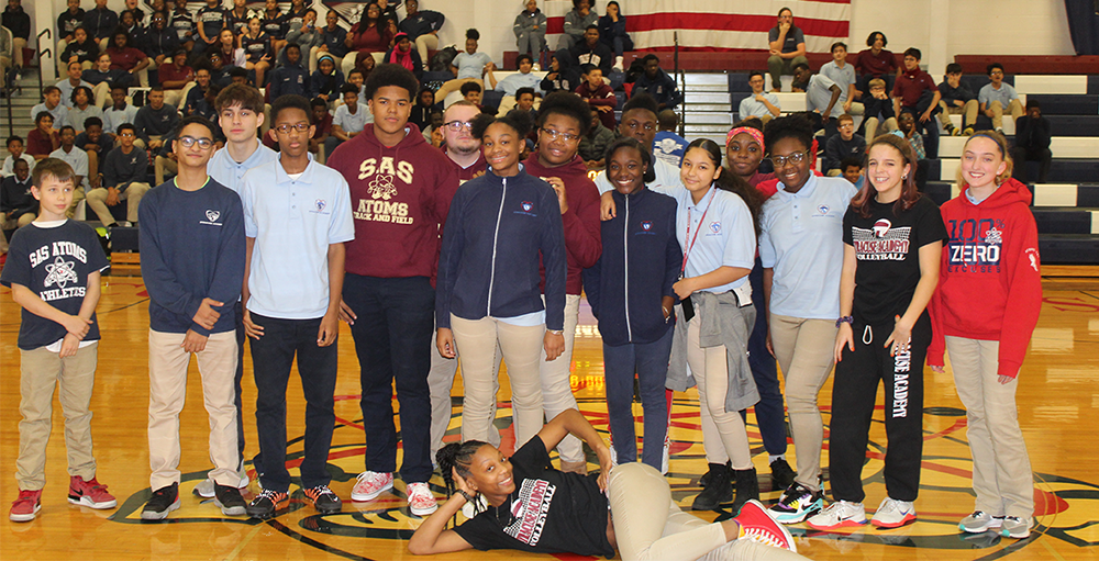The high school kicked-off Thanksgiving Recess with an afternoon pep rally